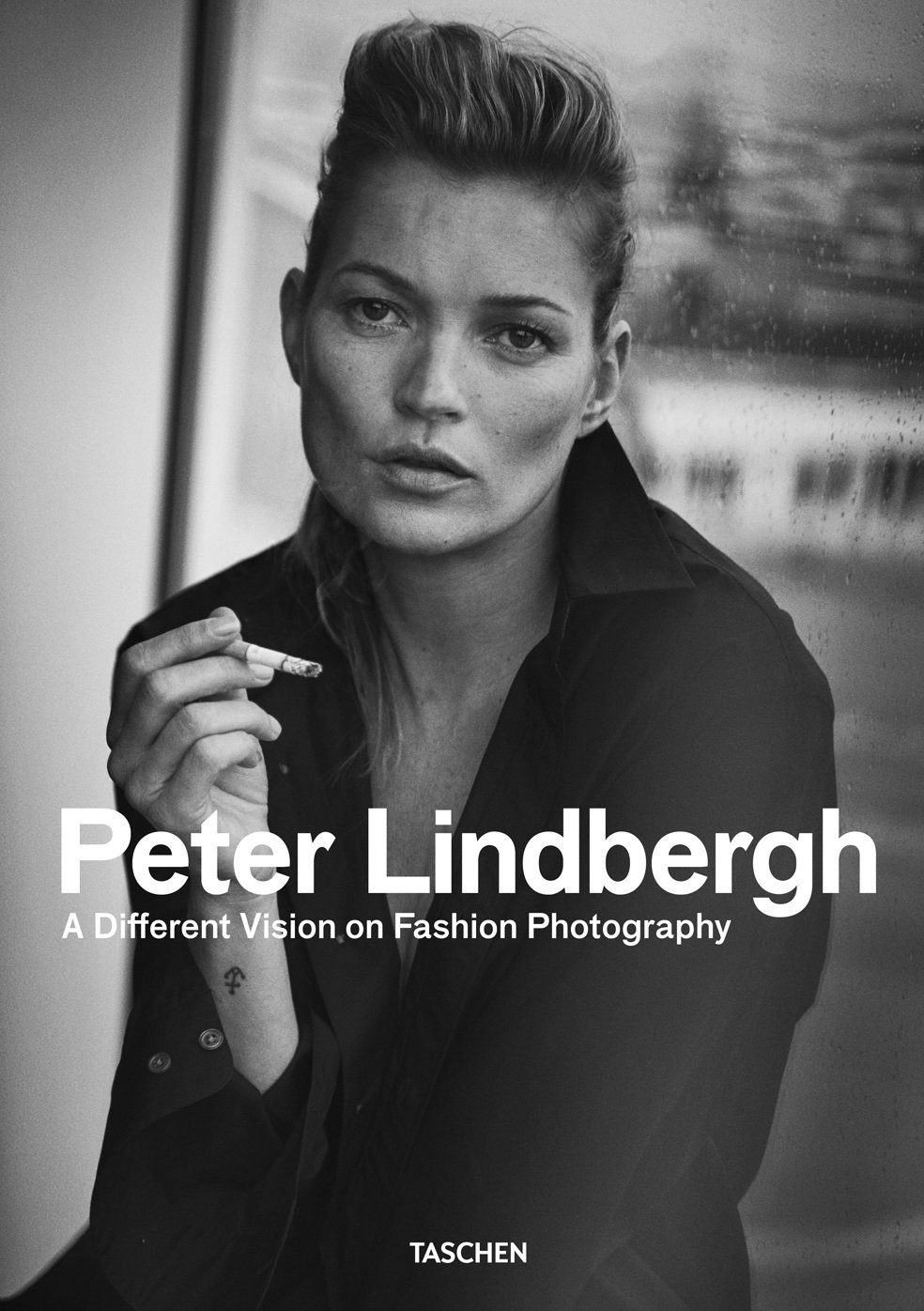 Zien: 'A Different Vision on Fashion Photography'