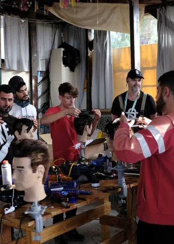 Barberhulp voor Lesbos
