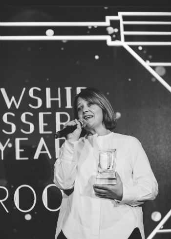 Sally Brooks uitgeroepen tot Fellowship Hairdresser of the Year!